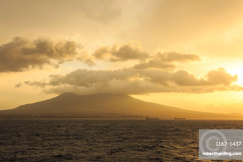Mount Vesuvius at sunrise, Bay of Naples, Naples, Campania, Italy, Europe