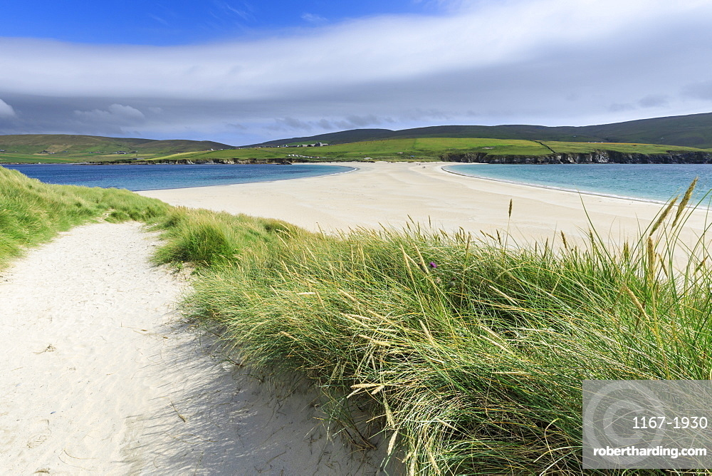 St. Ninian's Isle, white beach tombolo, South Mainland, Shetland Islands, Scotland, United Kingdom, Europe