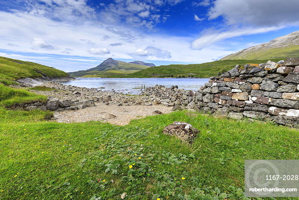 Defensive wall of Ardvreck Castle in Scotland, Europe