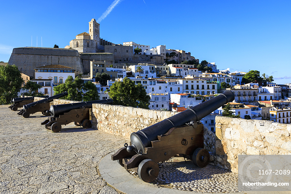 Bastion, cannons, ramparts, cathedral, Dalt Vila old town, UNESCO World Heritage Site, Ibiza Town, Balearic Islands, Spain, Mediterranean, Europe
