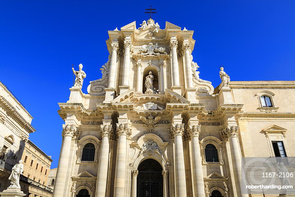 Cathedral, baroque facade, Piazza Duomo, Ortigia (Ortygia), Syracuse (Siracusa), UNESCO World Heritage Site, Sicily, Italy, Mediterranean, Europe