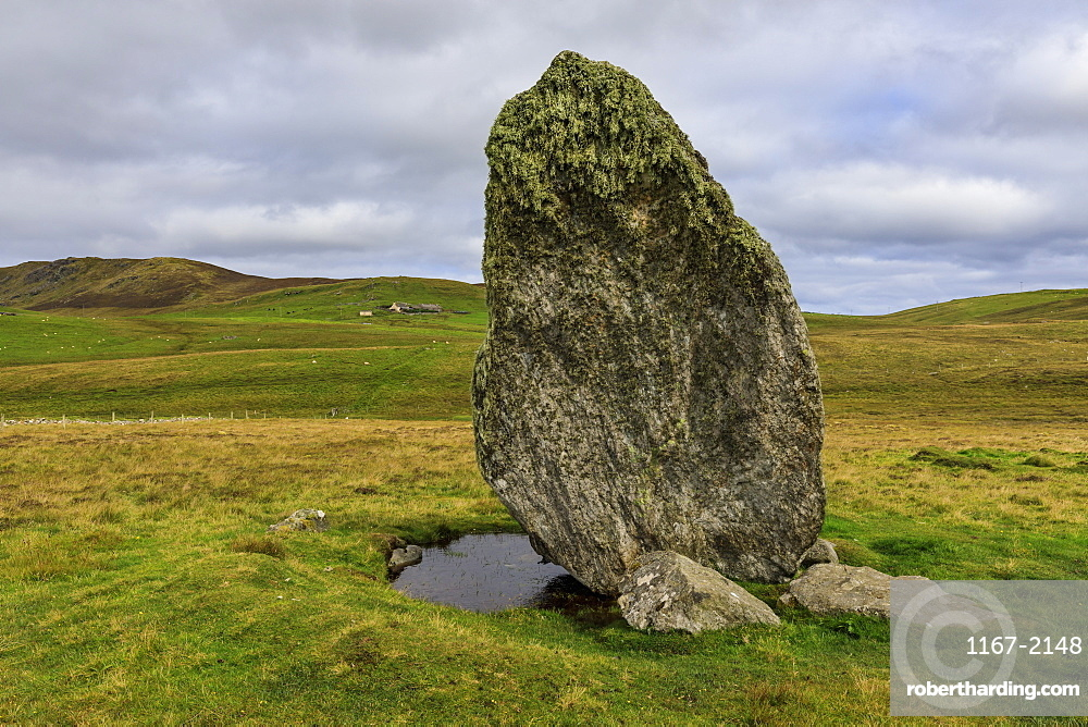 Boardastubble Standing Stone, largest in Shetland, moorland views, Lund, Island of Unst, Shetland Isles, Scotland, United Kingdom, Europe