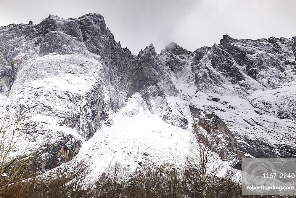 Trollveggen (Troll Wall), Europe's highest vertical rock face, Romsdalen Valley, in winter, More Og Romsdal, Norway, Scandinavia, Europe