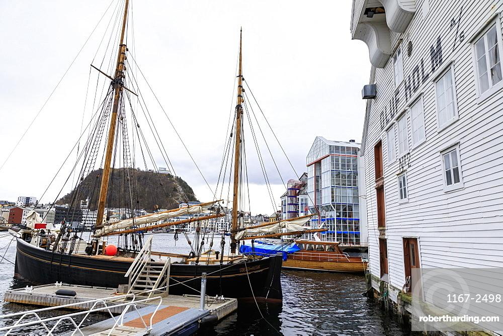 Beautiful Alesund, Aksla hill, waterfront, boats, historic warehouse, Winter, More og Romsdal, Norway, Scandinavia, Europe