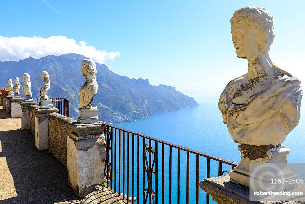 Terrace of Infinity, Gardens of Villa Cimbrone, cliff top Ravello, Amalfi Coast, UNESCO World Heritage Site, Campania, Italy, Europe