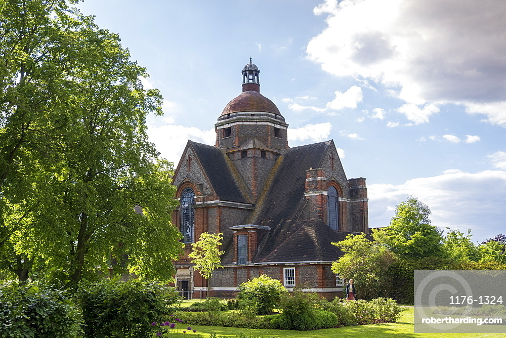 The Free Church by Edwin Lutyens built in the Arts and Crafts style, Hampstead Garden Suburb, Finchley and Golders Green, London, England, United Kingdom, Europe
