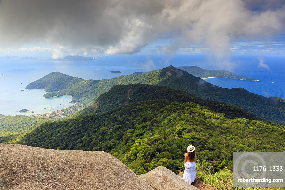 Ilha Grande island from Papagaio Peak (Pico do Papagaio), Ilha Grande, Green Coast (Costa Verde), Brazil, South America