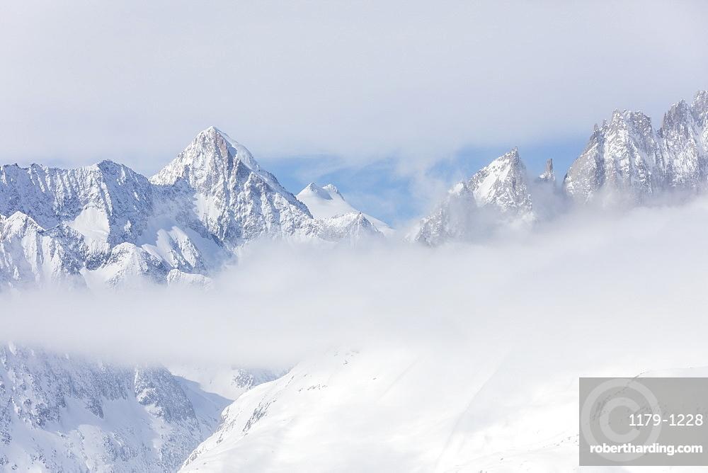 Aletsch Glacier seen from Betterhorn surrounded by snow, Bettmeralp, district of Raron, canton of Valais, Switzerland, Europe