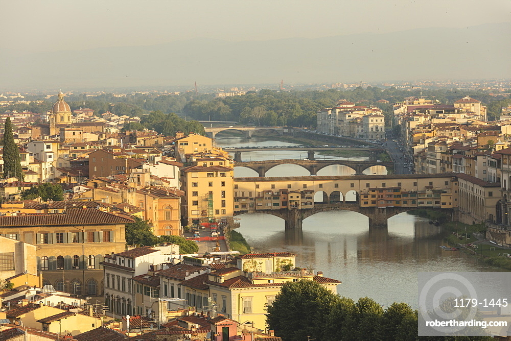 View of the medieval city of Florence with the typical Ponte Vecchio on Arno River from Piazzale Michelangelo, Florence, Tuscany, Italy, Europe