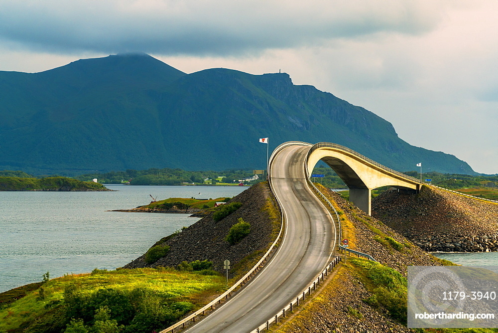 Curves along Storseisundet Bridge on the Atlantic Ocean Road, More og Romsdal county, Norway, Scandinavia, Europe