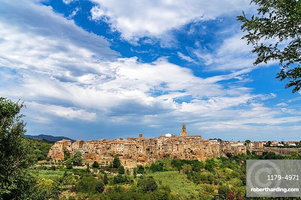 Medieval town of Pitigliano on hilltop, province of Grosseto, Tuscany, Italy