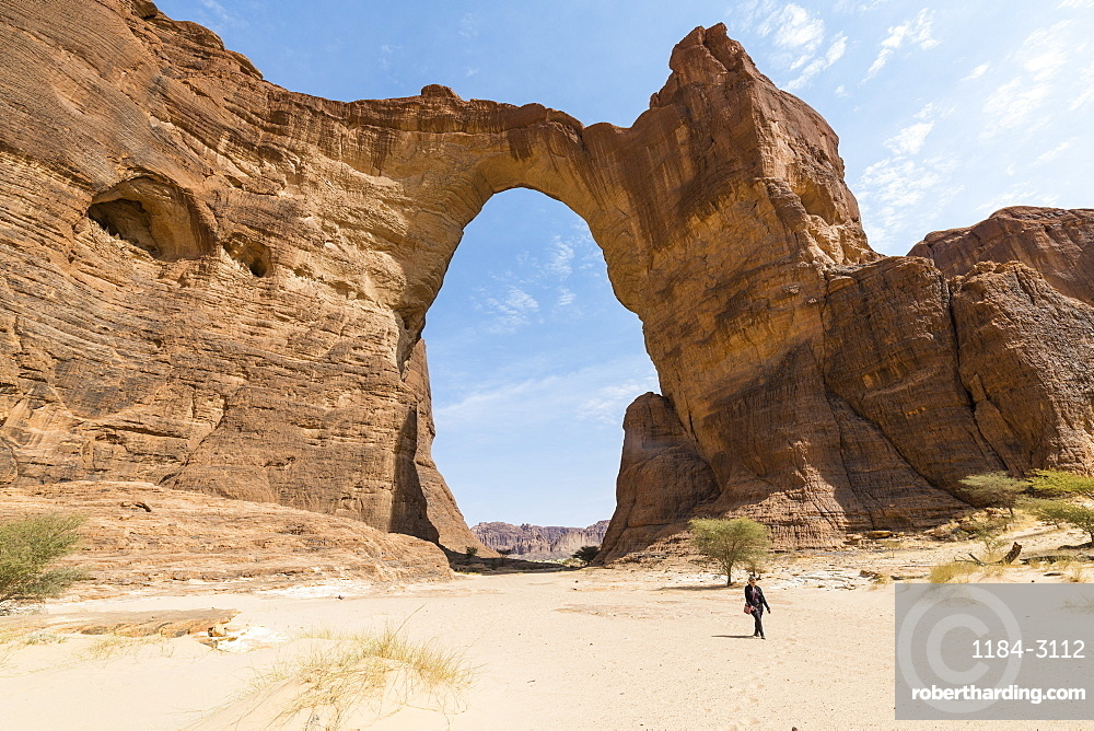Third largest rock arch in the world, Ennedi Plateau, UNESCO World Heritage Site, Ennedi region, Chad, Africa