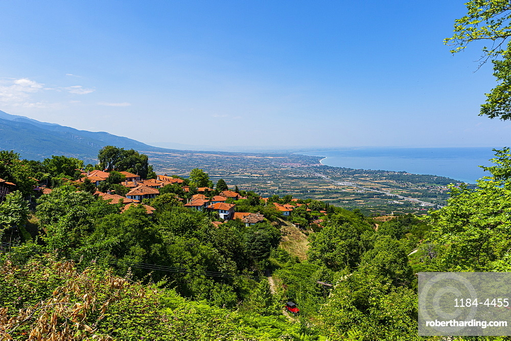 Mountain village of Palaios Panteleimonas, Mount Olympus, Greece, Europe