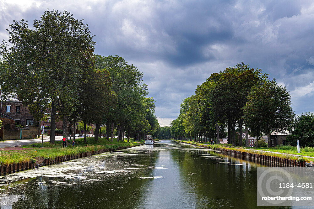 Canal du Centre, UNESCO World Heritage Site, linking Meuse and Scheidt Rivers, Belgium, Europe