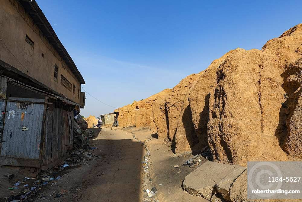 Old sandstone wall, Kano, Kano state, Nigeria, West Africa, Africa