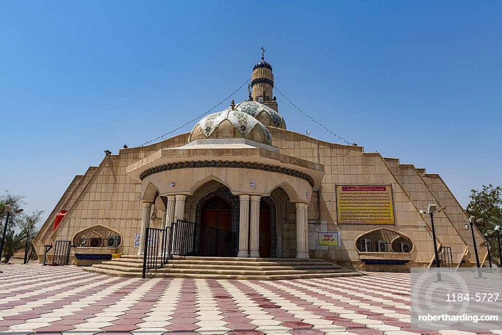 Imam Ali Mosque, one of the oldest mosques in the world, Basra, Iraq, Middle East