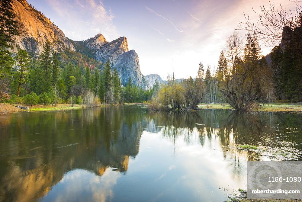 Three Brothers, Yosemite National Park, UNESCO World Heritage Site, California, United States of America, North America