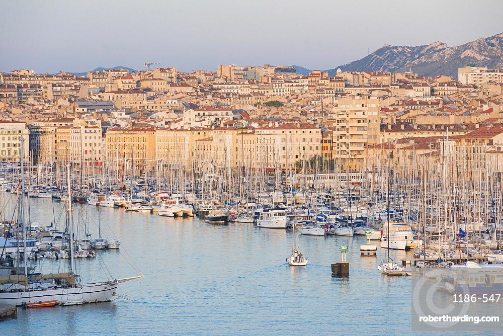 Marseille harbour, Marseille, Bouches du Rhone, Provence, Provence-Alpes-Cote d'Azur, France, Mediterranean, Europe