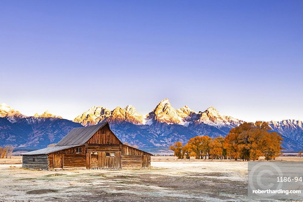 Mormon Row and Teton Range, Grand Teton National Park, Wyoming, United States of America, North America