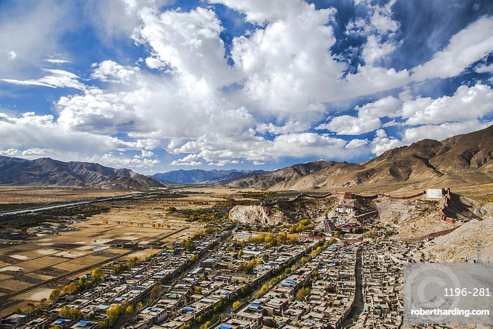 Overview of Kumbum in Gyantse, Tibet, China, Asia