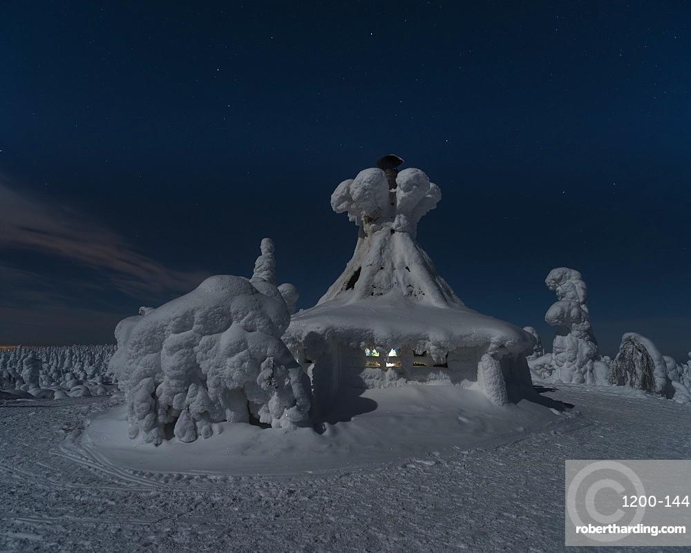 Hilltop hut, Kuntivaara, Kuuusamo, Finland, Europe