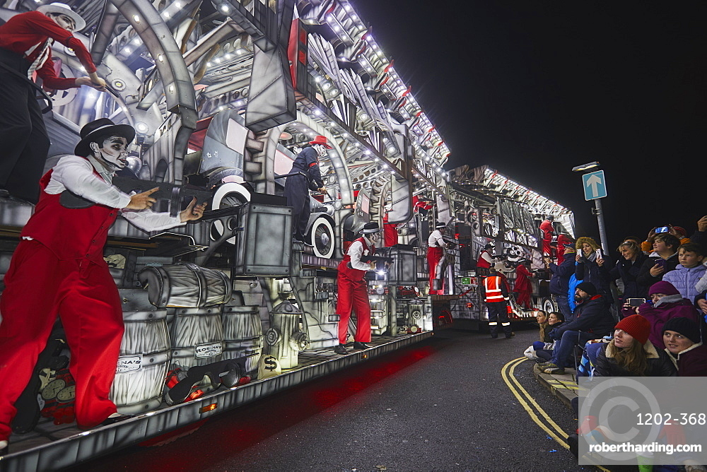 A spectacular float at the amazing Bridgwater Carnival, held in Bridgwater annually in early November, Somerset, Great Britain.