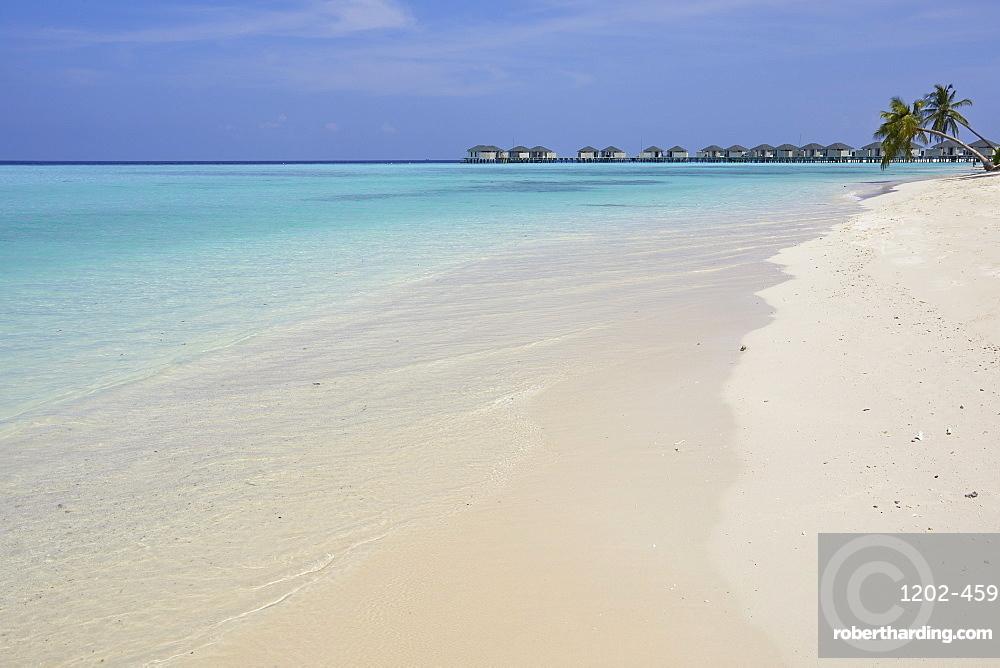 A tropical beach, on Havodda island, in Gaafu Dhaalu atoll, in the far south of The Maldives, Indian Ocean, Asia