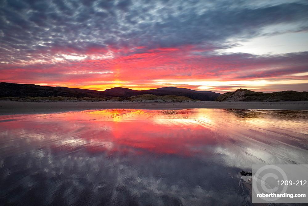 Sandwood Bay at sunrise, Sutherland, Scotland, United Kingdom, Europe
