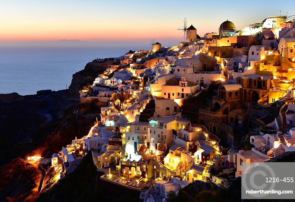 Oia at sunset, Santorini, Cyclades, Aegean Islands, Greek Islands, Greece, Europe