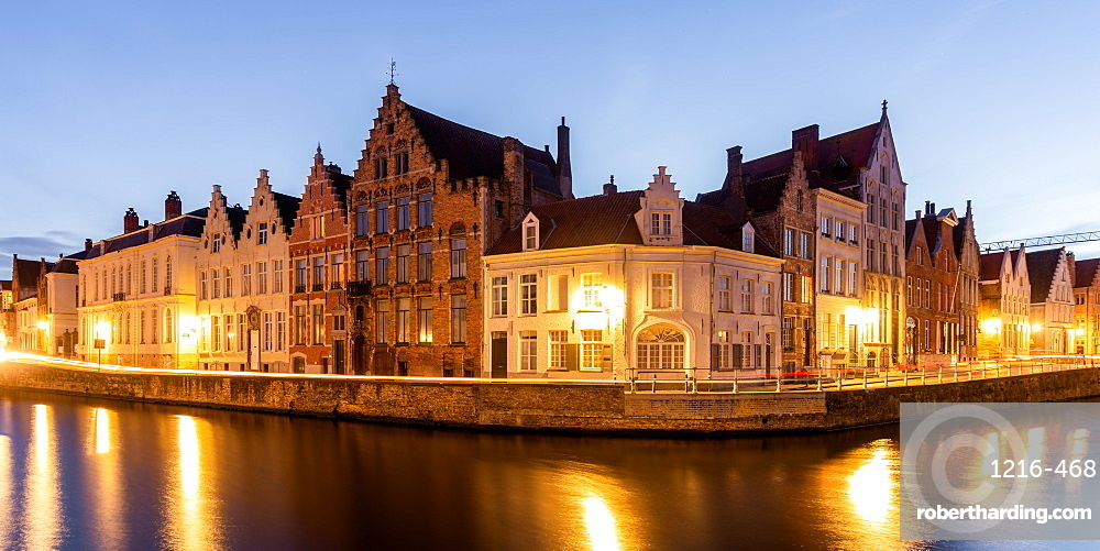 Houses at Spiegelrei corner, Bruges, West Flanders province, Flemish region, Belgium, Europe