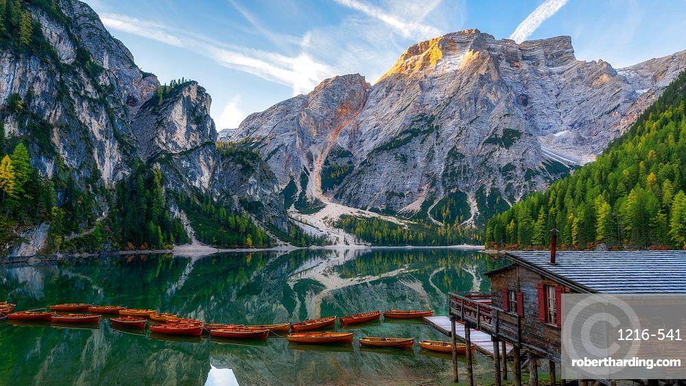Lago Di Braies, Dolomites, Italy, Europe
