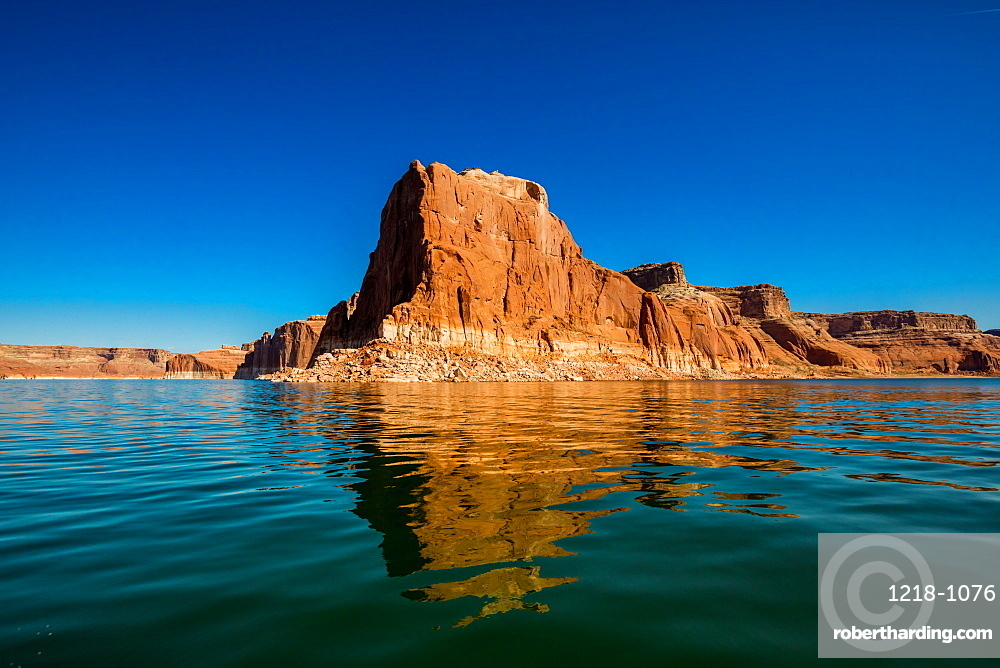 Beautiful Lake Powell, border of Arizona and Utah, United States of America, North America