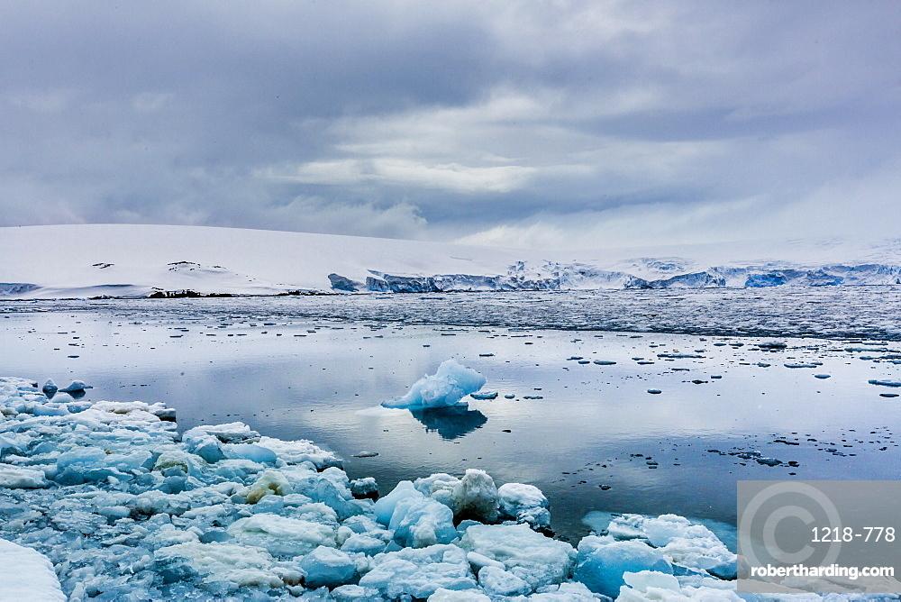 Scenic view of glaciers in Granite Bay, on mainland Antarctica, Polar Regions