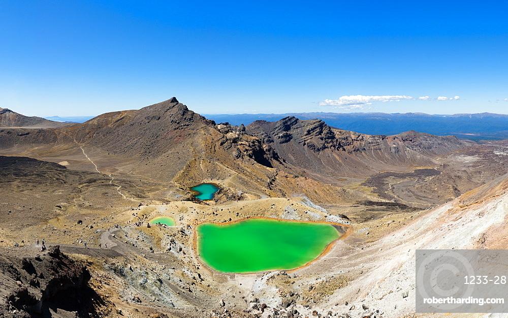 The Tongariro Crossing crosses 19 kilometers of the barren, volcanic desert, Tongariro National Park, UNESCO World Heritge Site, North Island, New Zealand, Pacific