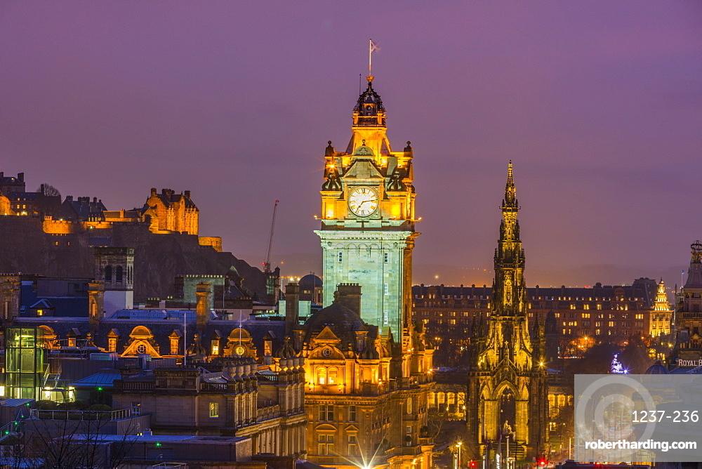 Edinburgh at dusk, UNESCO World Heritage Site, Edinburgh, Scotland, United Kingdom, Europe