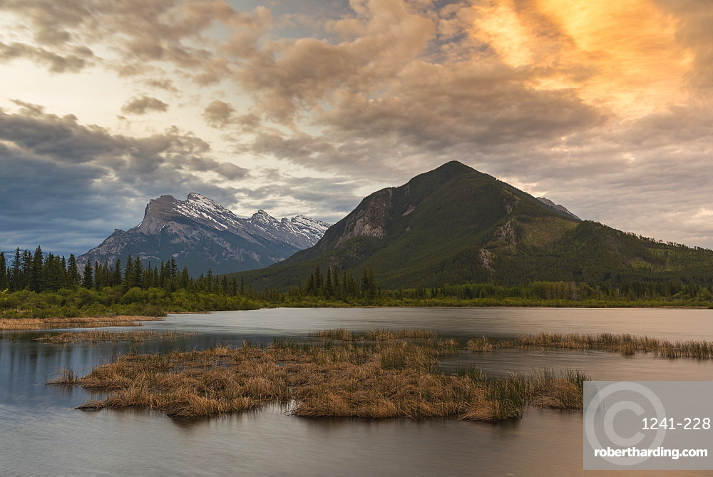 Sunrise at Vermillion Lakes with Mount Rundle, Banff National Park, Alberta, Canada