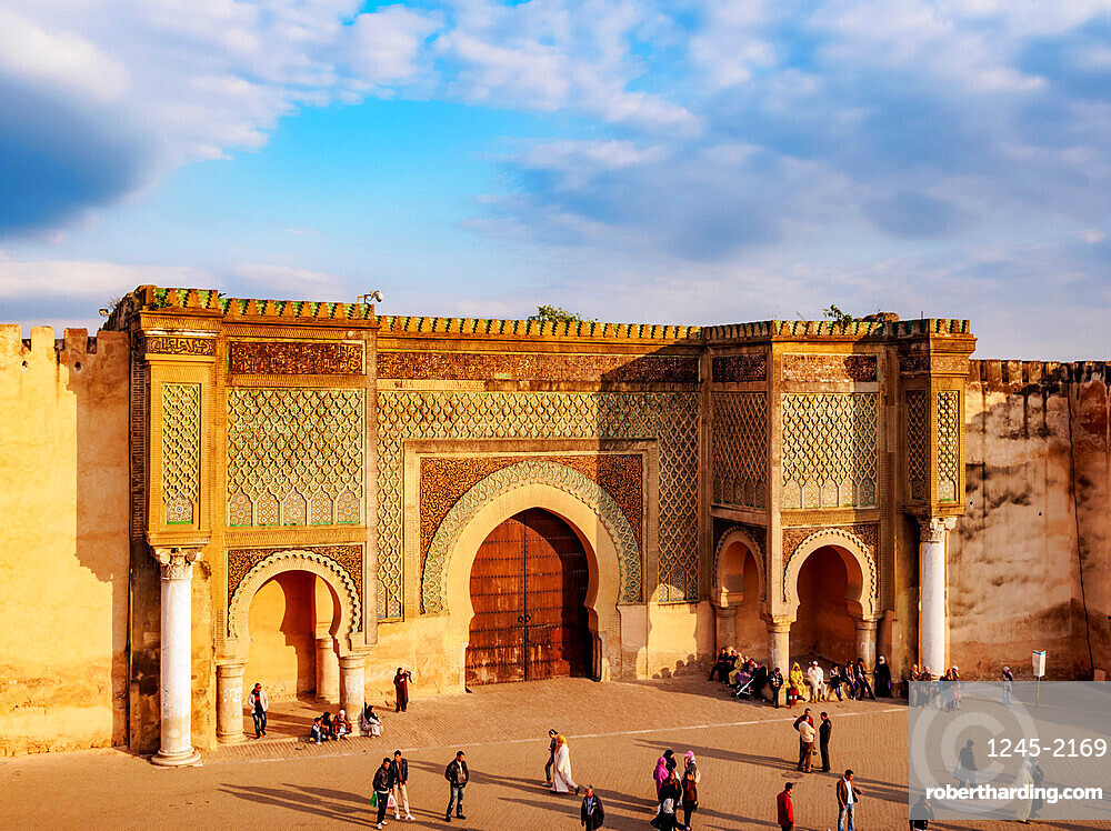 Bab Mansur (Bab Mansour), gate of the Old Medina, UNESCO World Heritage Site, elevated view, Meknes, Fez-Meknes Region, Morocco, North Africa, Africa