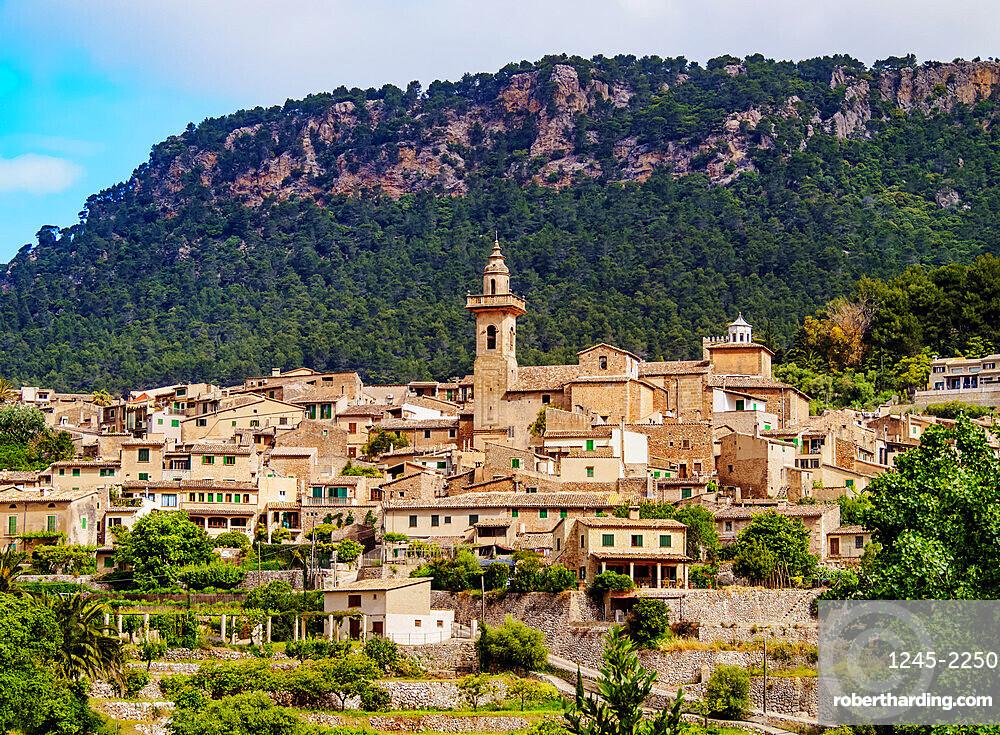 Valldemossa townscape, Mallorca (Majorca), Balearic Islands, Spain, Mediterranean, Europe