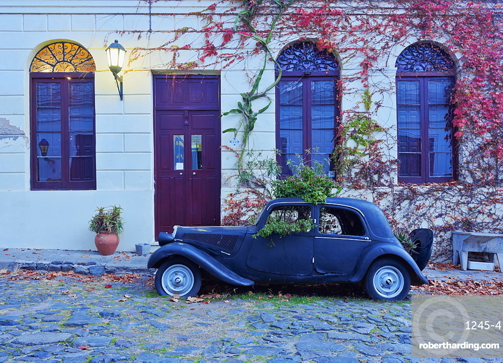 Vintage car on the cobblestone lane of the historic quarter, Colonia del Sacramento, Colonia Department, Uruguay, South America