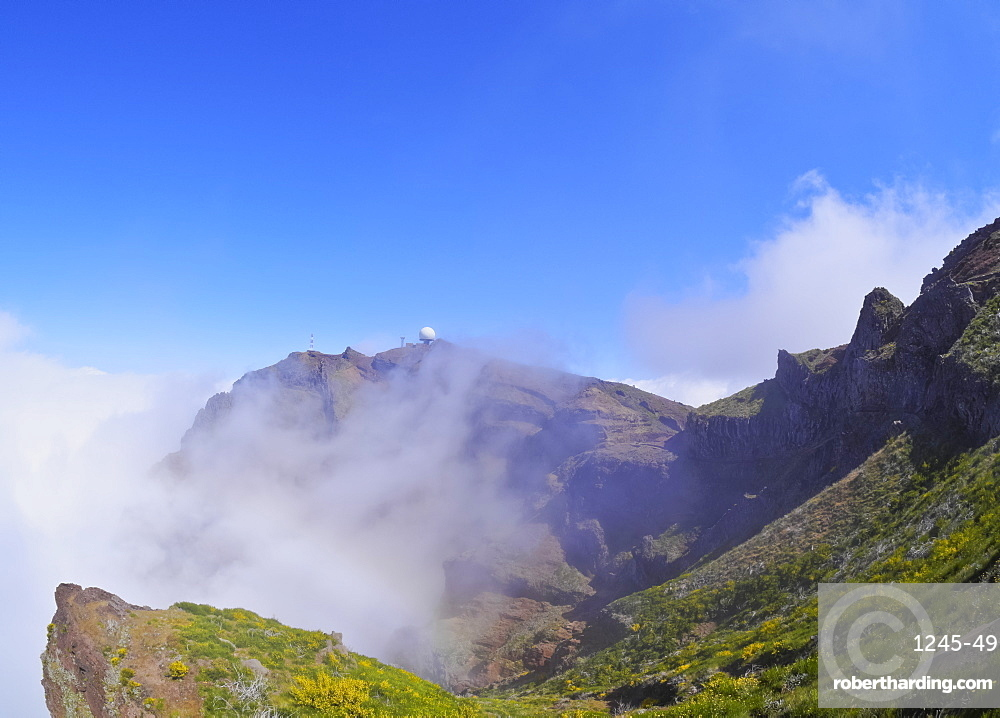 View towards the Pico do Arieiro, Madeira, Portugal, Europe