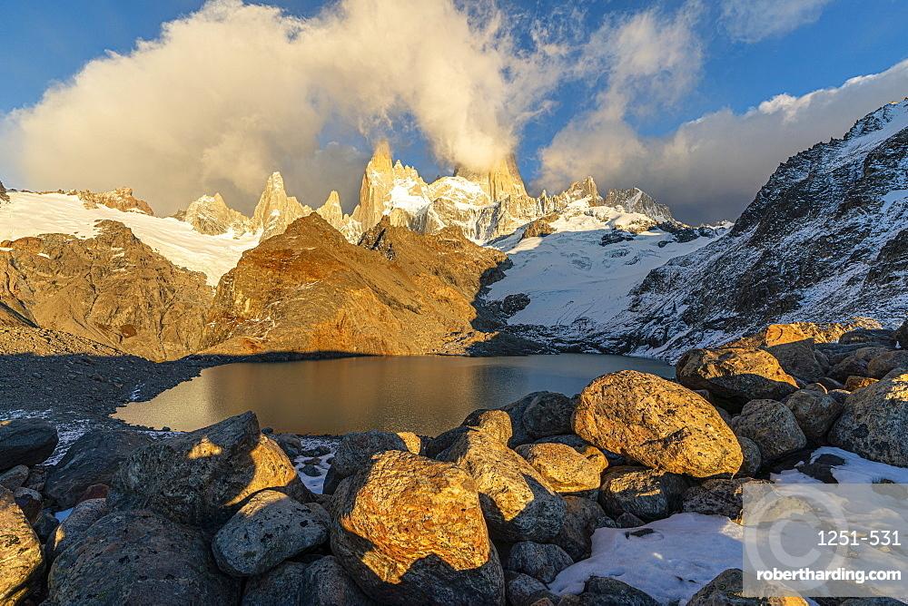 Fitz Roy range in the morning at Laguna Los Tres. El Chalten, Santa Cruz province, Argentina.
