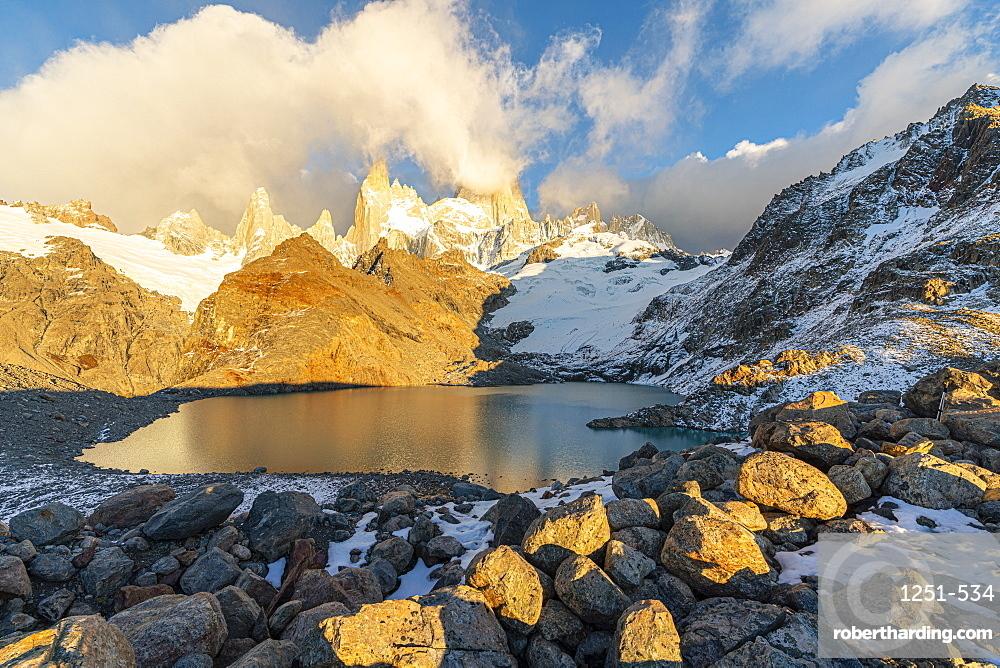 Fitz Roy range in the morning at Laguna Los Tres, El Chalten, Los Glaciares National Park, UNESCO World Heritage Site, Santa Cruz province, Argentina, South America