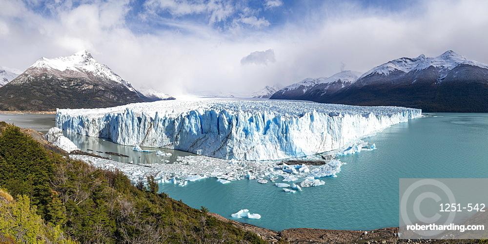 Southern terminus of Perito Moreno glacier, Lago Argentino and mountains. Los Glaciares National Park, Santa Cruz, Argentina.