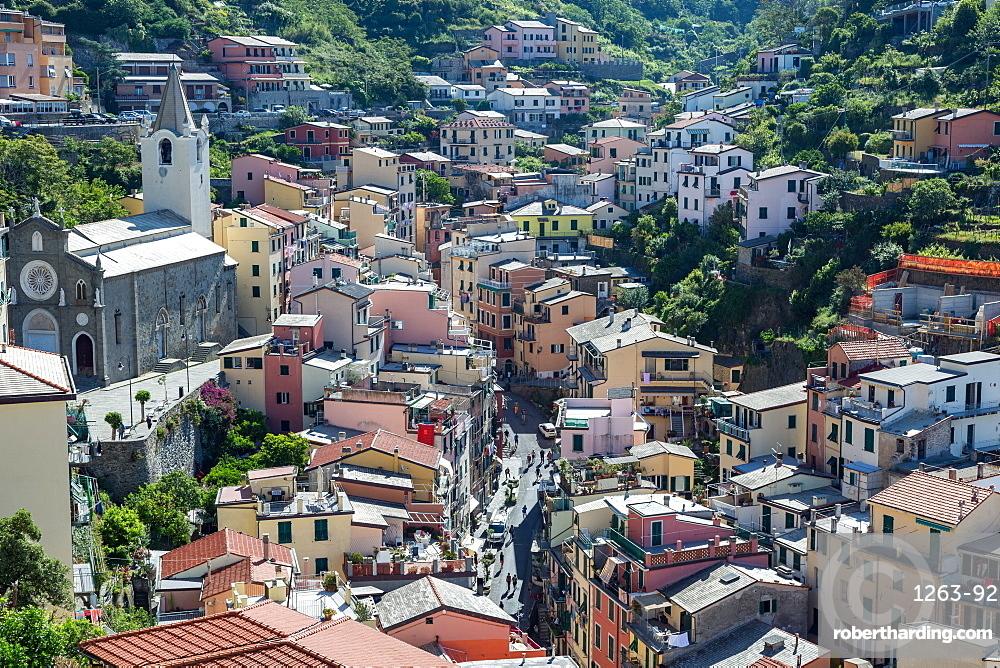 The main street in Riomaggiore, Cinque Terre, UNESCO World Heritage Site, Liguria, Italy, Europe