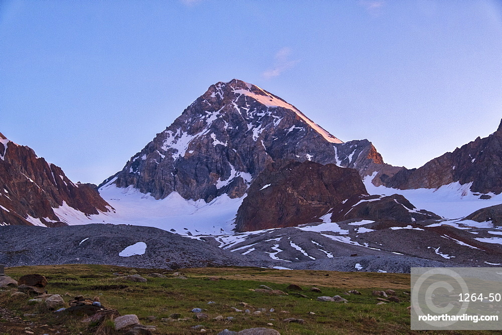Mount Gran Zebru at sunrise, Valfurva, Lombardy, Italy, Europe