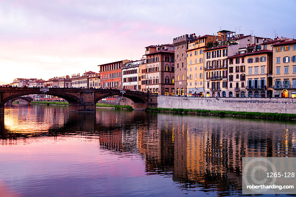 The Arno River, Florence, UNESCO World Heritage Site, Tuscany, Italy, Europe