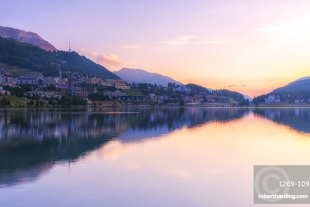 Sunrise at Lake of St. Moritz (Lej da San Murezzan), Sankt Moritz, Engadine Valley, Graubunden, Switzerland, Europe