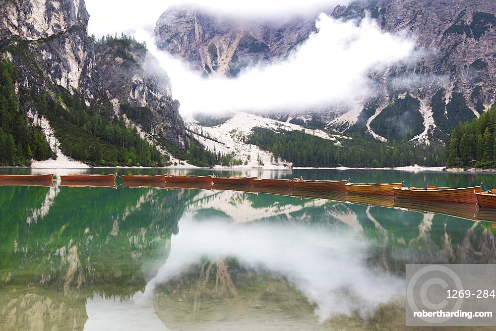 Boats at Braies Lake (Pragser Wildsee), Braies (Prags), South Tyrol, Dolomites, Italy, Europe