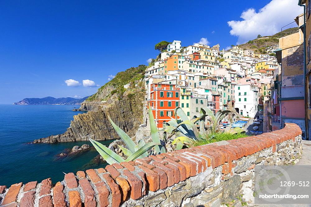 Colourful village of Riomaggiore, Cinque Terre, UNESCO World Heritage Site, Liguria, Italy, Europe