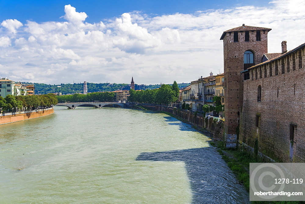 River view with bridge and Castelvecchio castle, a Middle Ages red brick castle on the right bank of River Adige, Verona, Veneto, Italy, Europe